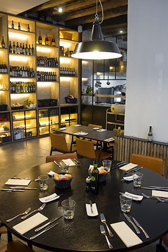 Tafel voor 6 personen in restaurant Capriani