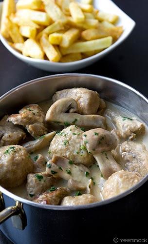 kalfsblanquette met gehaktballetjes en champignons in potje