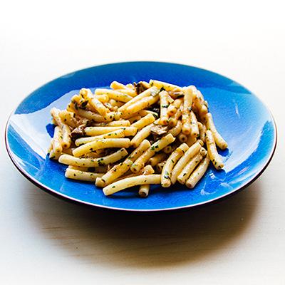 Vegetarische macaroni met champignons
