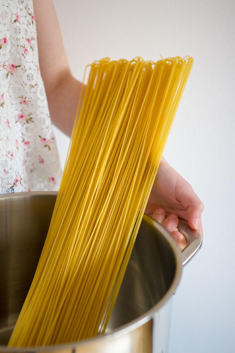 1 meter spaghetti