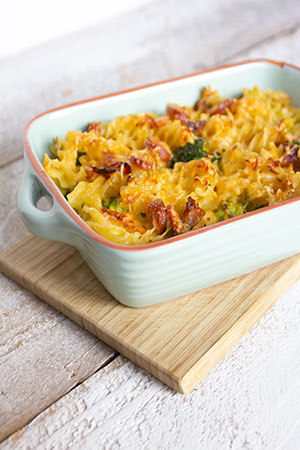 Recept Pasta met ontbijtspek, Weense worstjes en broccoli